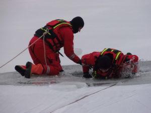 Záchrana z ledové plochy 2017
